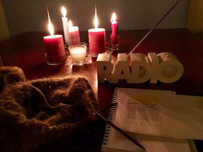 lavorare a maglia a lume di candela