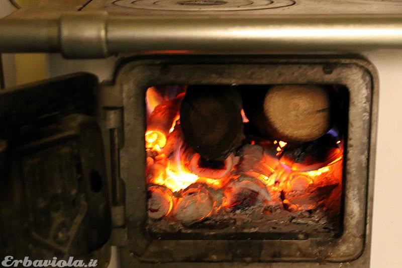 Stufa a legna di erbaviola: la camera di combustione