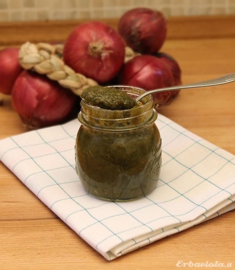 Dado vegetale, ricetta di Erbaviola.it - si conserva in vasetti di vetro