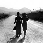 """La scena finale di """"Tempi moderni"""" di Chaplin"""